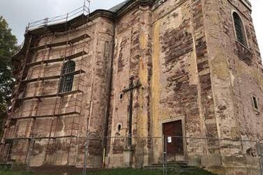 Kostel Všech svatých v Heřmánkovicích získal novou tvář
